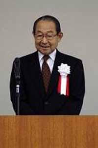 九州学園 五斗一郎 理事長