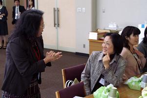 左:倉本先生 右:今年度の監事 龍 早苗さん