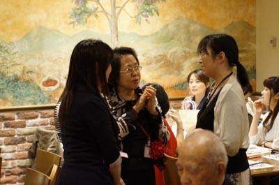 倉本優子先生と国文の卒業生