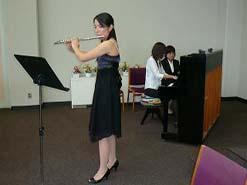 そして、音楽科在学生によるフルート演奏
