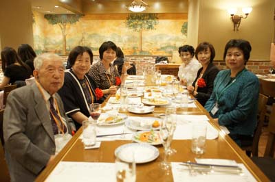 (左から)中村長哉先生、大里栄子先生、宮嶋郁恵先生
