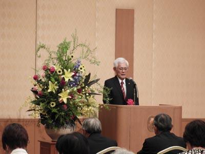 野澤秀樹九州学園理事長よりご挨拶いただきました。
